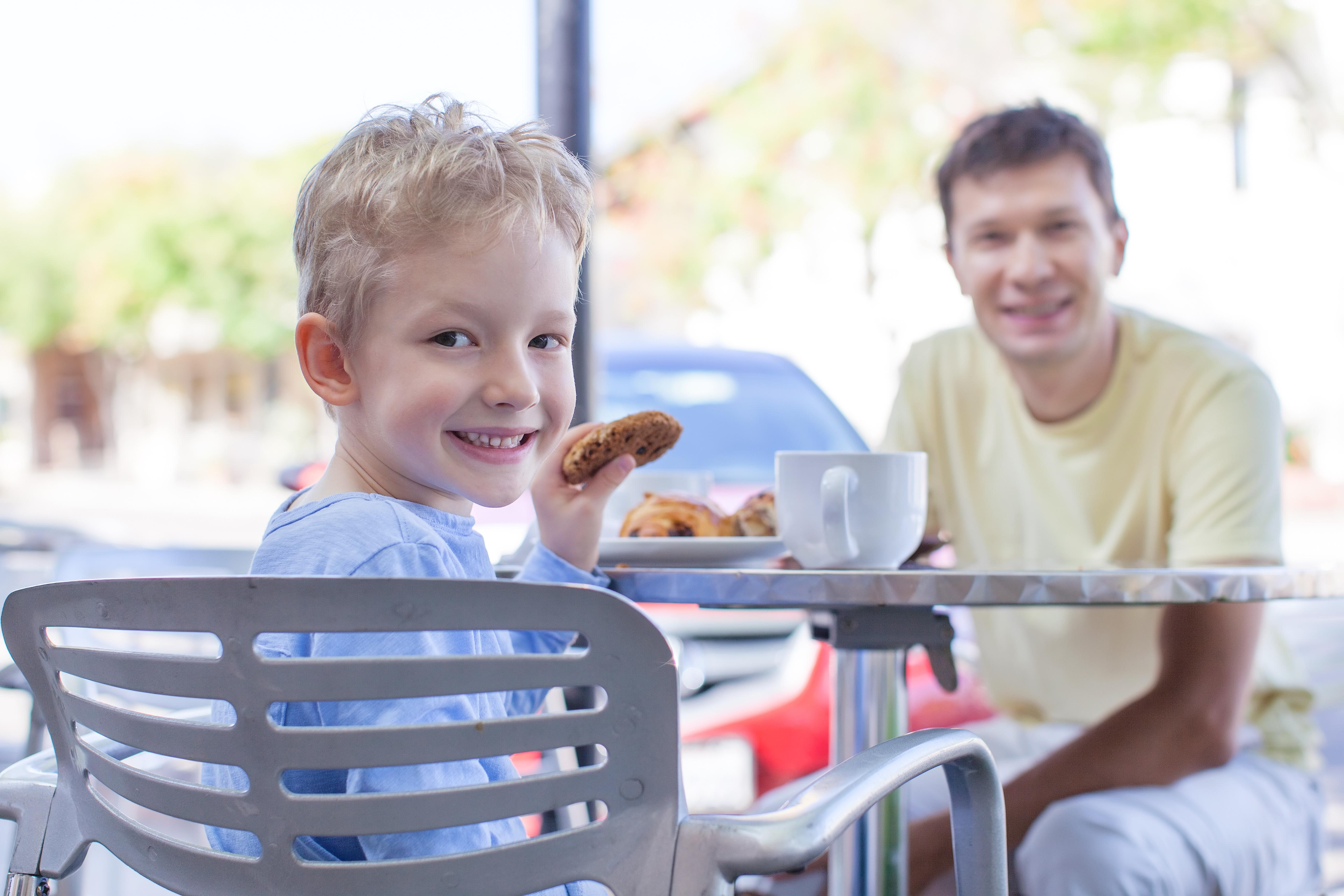 10 Tips For Dining Out With Kids | Kelly Bourne