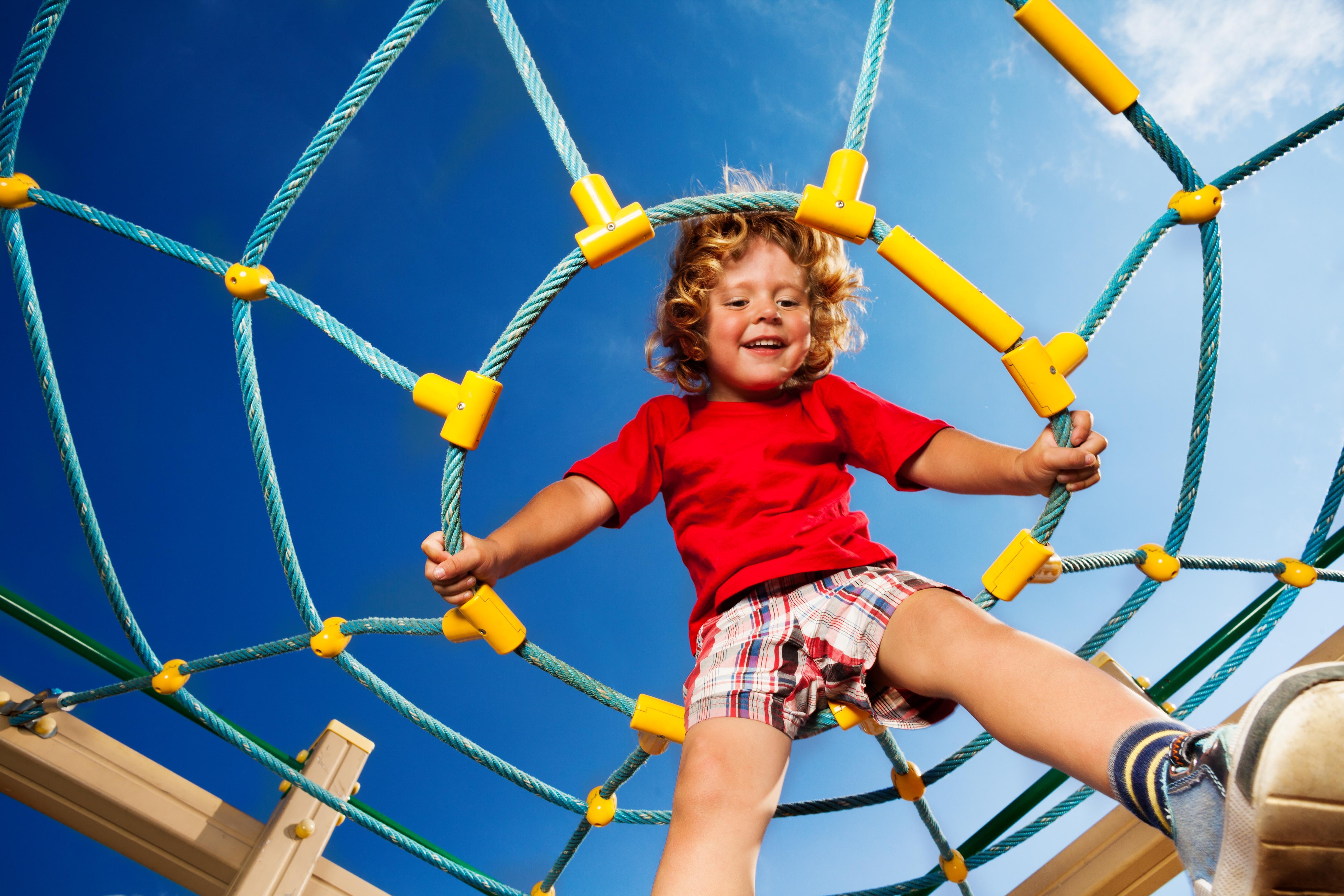 kids risky play, risky play for kids, risky play benefits